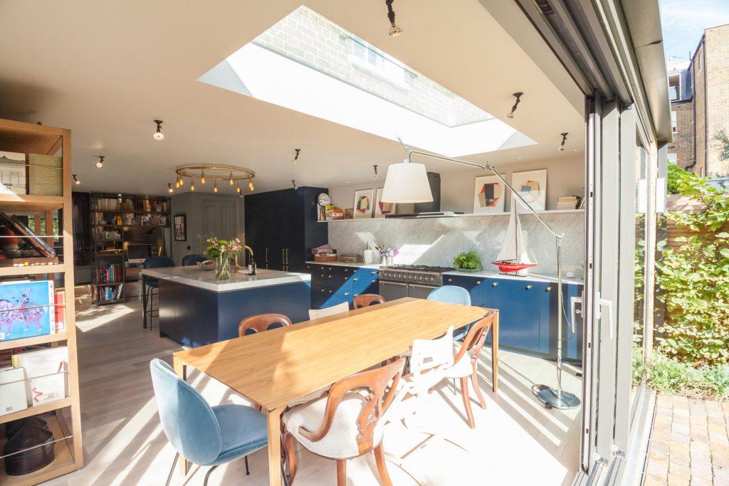 dinning-room-corner